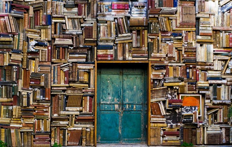 شبکههای اجتماعی در برابر کتاب